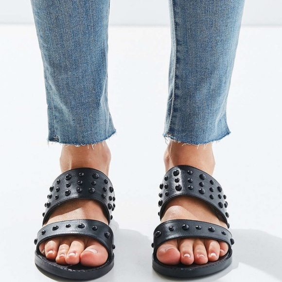 452eb864732 URBAN OUTFITTERS Black Studded Slide Flat Sandals